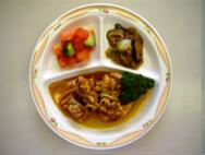 鶏唐揚げ薬味ソースかけ・白菜の炒め物・トマトサラダ