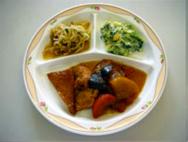 煮物・卵とほうれん草のサラダ・もやしとみつばの和え物